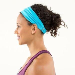 EUC Lululemon Bang Buster Headband SPRY BLUE